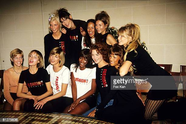 Nadja Auermann Carla Bruni Amber Valletta Linda Evangelista Naomi Campbell Shalom Harlow Claudia Schiffer and Top Models ' Fashion Aid Clothing ' Tee...