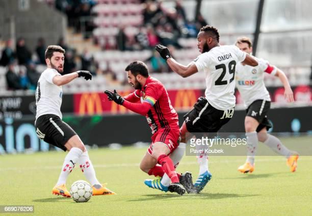 Nahir Besara of Orebro SK Brwa Nouri of Ostersunds FK Michael Omoh of Orebro SK during the allsvenskan match between Orebro SK and Ostersunds FK at...