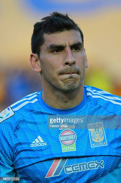 Nahuel Guzmán of Tigres before a first leg final match between Tigres UANL and River Plate as part of Copa Bridgestone Libertadores 2015 at...