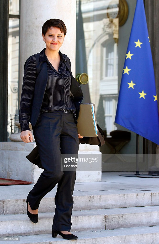 <a gi-track='captionPersonalityLinkClicked' href=/galleries/search?phrase=Najat+Vallaud-Belkacem&family=editorial&specificpeople=4115928 ng-click='$event.stopPropagation()'>Najat Vallaud-Belkacem</a>, French Minister of National Education, Higher Education and Research leaves after a weekly cabinet meeting at the Elysee Presidential Palace on May 04, 2016 in Paris, France.