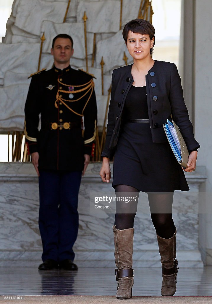 Najat Vallaud-Belkacem, French Minister of National Education, Higher Education and Research leaves the Elysee Presidential Palace after a weekly cabinet meeting on May 25, 2016 in Paris, France. The French Government confirms that it tapped into its strategic reserves of petroleum products and said the equivalent of three days of inventory of 115 available had been used until now. the French government is facing a serious crisis following the El Khomri law.