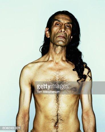 pelo largo Virgen desnudo