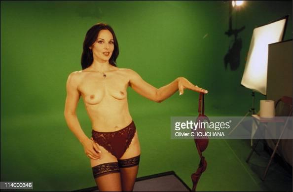 nudes-solo-yb-elizabeth-wong-nude-photo