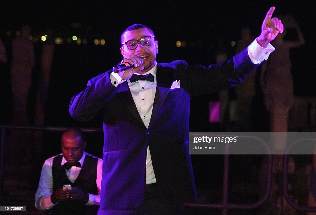 Naldo Benny performs onstage at the II BrazilFoundation Gala Miami at Vizcaya Museum & Gardens on March 26, 2013 in Miami, Florida.