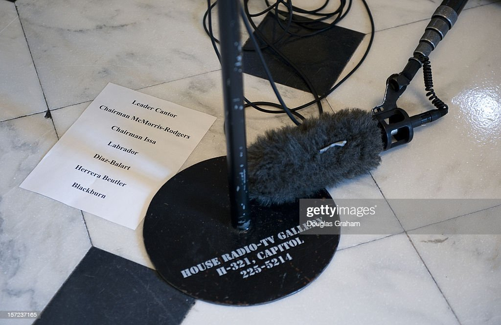 Name of Reps. that are planned to make comments in the 'Will Rogers' statue area on the House side of the U.S. Capitol on November 30, 2012 during a press conference on STEM Jobs Act.