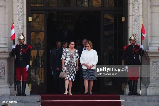Nancy Lange Peruvian first lady received Ana García de Hernández first lady of Honduras at Government Palace Presidents of both countries met this...