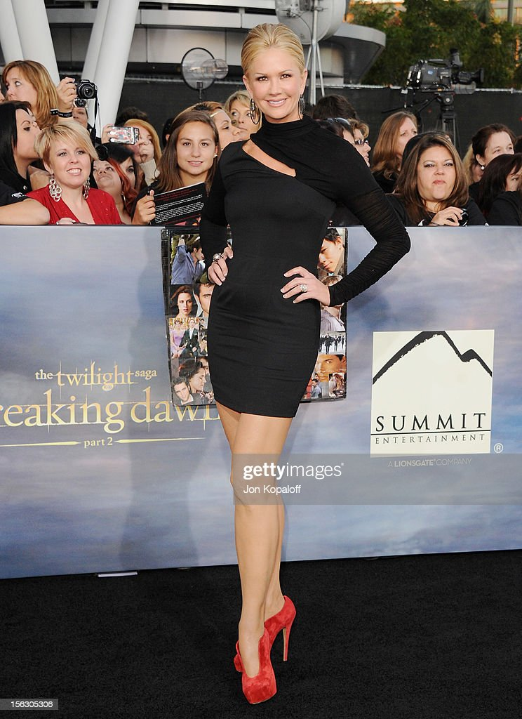 Nancy O'Dell arrives at the Los Angeles Premiere 'The Twilight Saga: Breaking Dawn - Part 2' at Nokia Theatre L.A. Live on November 12, 2012 in Los Angeles, California.