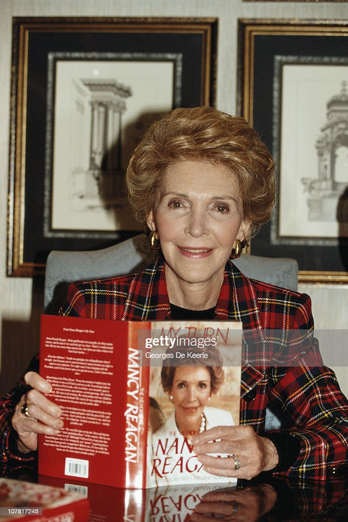 Nancy Reagan, the wife of former US President Ronald Reagan, with her autobiography 'My Turn', 1989.