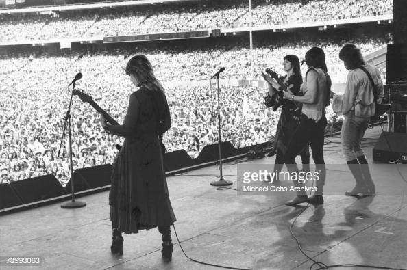 Nancy Wilson Ann Wilson Roger Fisher and Howard Leese of the rock band 'Heart' performs onstage at the Oakland Coliseum on May 30 1977 in Oakland...