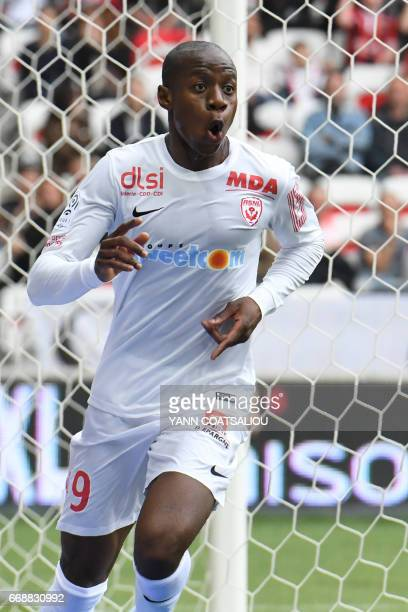Nancy's French forward Junior Dale celebrates afters socring a goal during the French L1 Football match between OGC Nice and AS Nancy Lorraine at the...