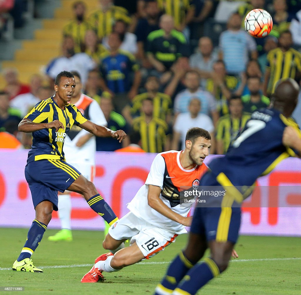 <a gi-track='captionPersonalityLinkClicked' href=/galleries/search?phrase=Nani+-+Soccer+Player&family=editorial&specificpeople=11510994 ng-click='$event.stopPropagation()'>Nani</a> of Fenerbahce kicks the ball for goal during UEFA Champions League Third Qualifying Round 1st Leg match betweeen Fenerbahce v Shakhtar Donetsk at Sukru Saracoglu Stadium on July 28, 2015 in Istanbul, Turkey.