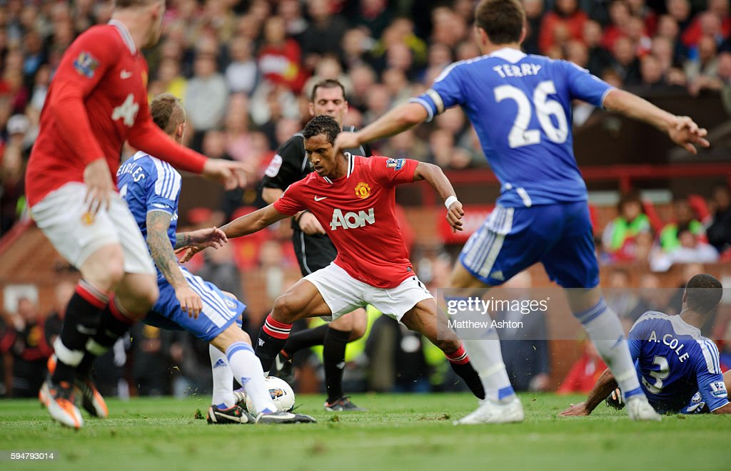 Nani of Manchester United keeps hold of the ball