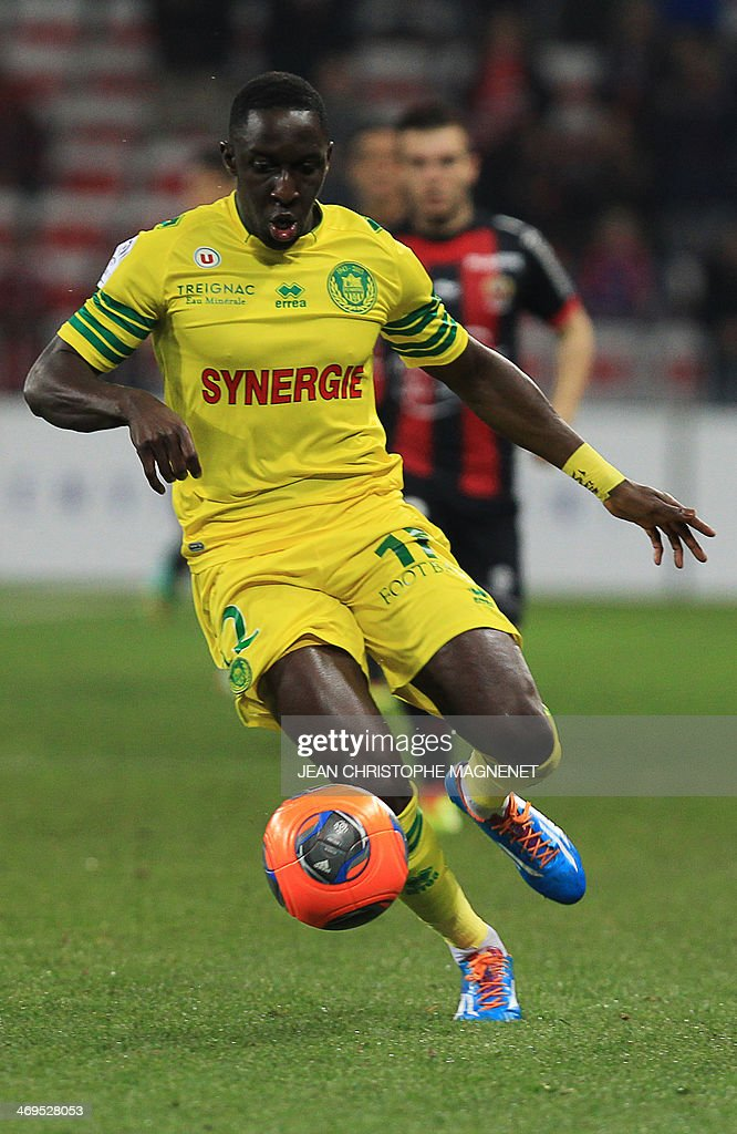 Nantes defender Issa Cissokho runs with the ball during the French L1 football match between OGC Nice (OGCN) and FC Nantes (FCN) on February 15, 2014, at the Allianz Riviera stadium, in Nice, southeastern France.