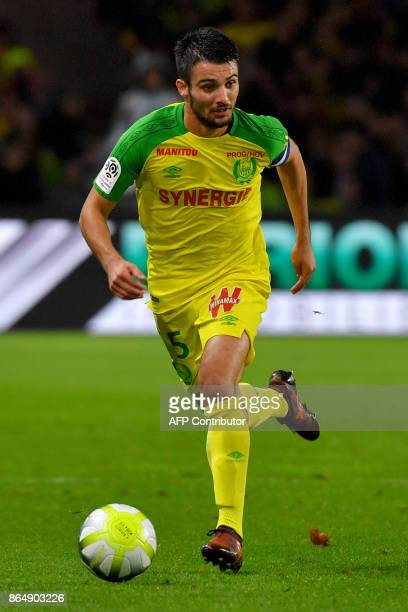 Nantes' French defender and captain Leo Dubois controls the ball during the French L1 football match Nantes vs Guingamps at the La Beaujoire stadium...