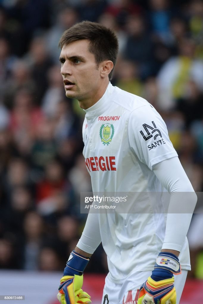 Nantes' French goalkeeper Ciprian Tatarusanu looks on during the French Ligue 1 football match between Nantes (FCN) and Olympique de Marseille (OM) on August 12, 2017 at Beaujoire stadium, in Nantes, western France. /