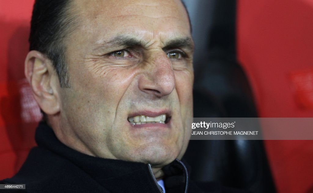 Nantes' French-Arrmenian coach Michel Der Zakarian reacts during the French L1 football match between OGC Nice (OGCN) and FC Nantes (FCN) on February 15, 2014, at the Allianz Riviera stadium, in Nice, southeastern France.