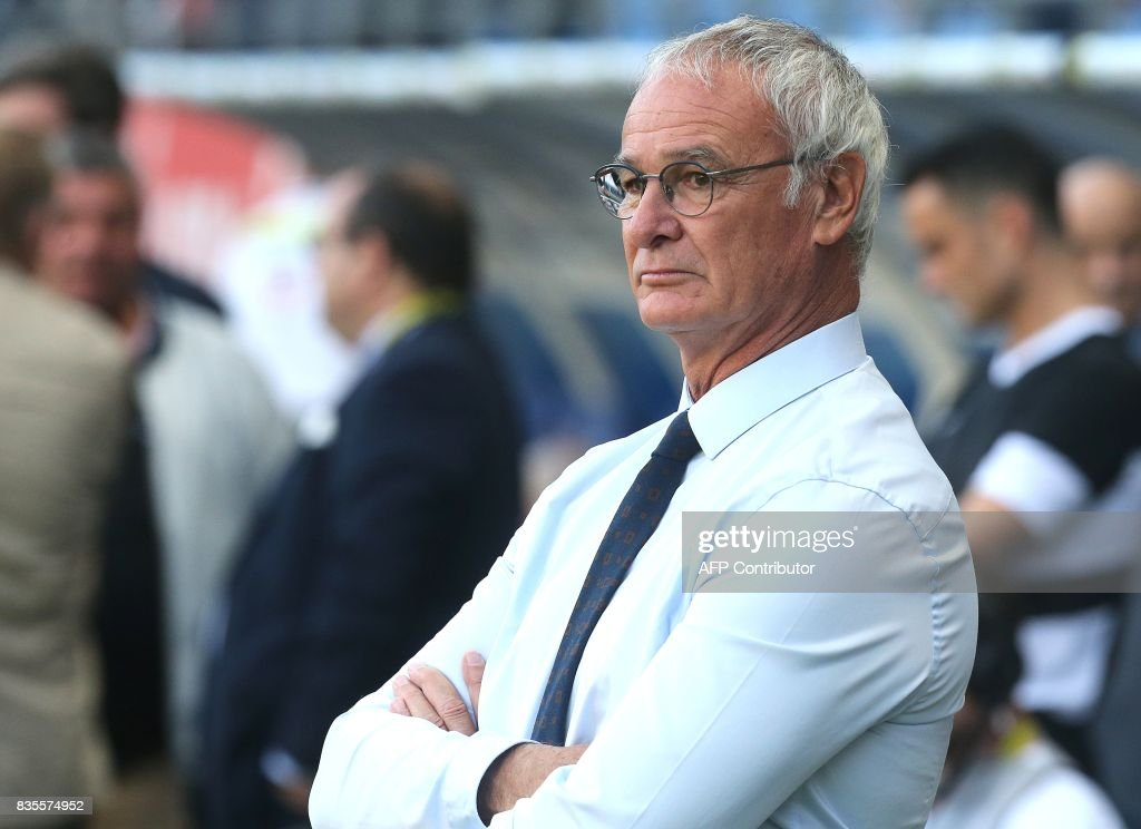 Nantes' head coach Claudio Ranieri looks on prior the French Ligue 1 football match between Troyes and Nantes on August 19, 2017 at the Aube stadium in Troyes. /