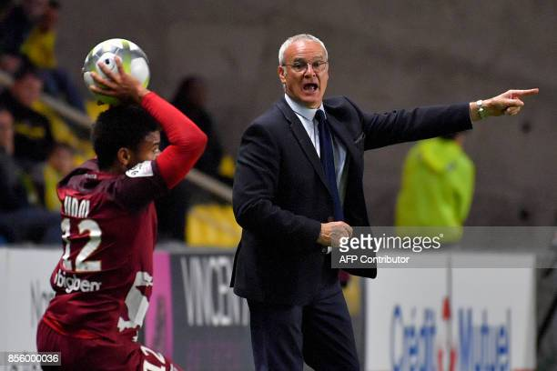 Nantes' Italian head coach Claudio Ranieri gestures during the French L1 football match Nantes vs Metz at La Beaujoire stadium in Nantes western...