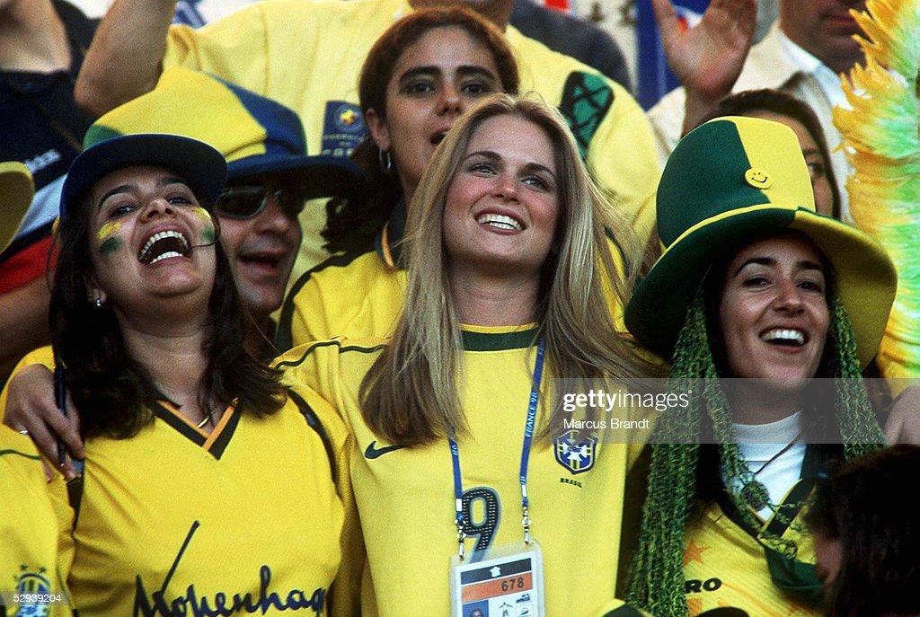 Nantes; Suzana VERNER (Mitte), Freundin von RONALDO, mit BRASILIEN