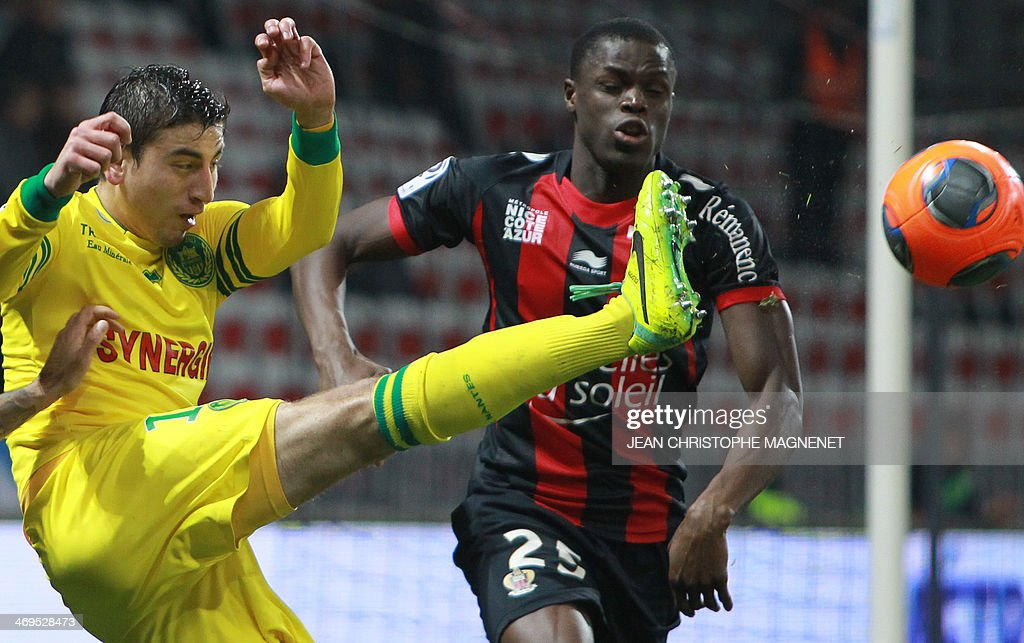 Nantes' US midfielder Alejandro Bedoya (L) kicks the ball during the French L1 football match between OGC Nice (OGCN) and FC Nantes (FCN) on February 15, 2014, at the Allianz Riviera stadium, in Nice, southeastern France.