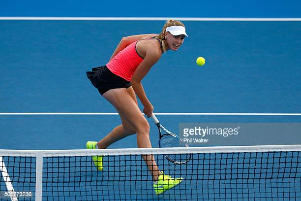 Naomi Broady of Great Britain plays a backhand return against Sloane Stephens of the USA during day four of the 2016 ASB Classic at ASB Tennis Arena...