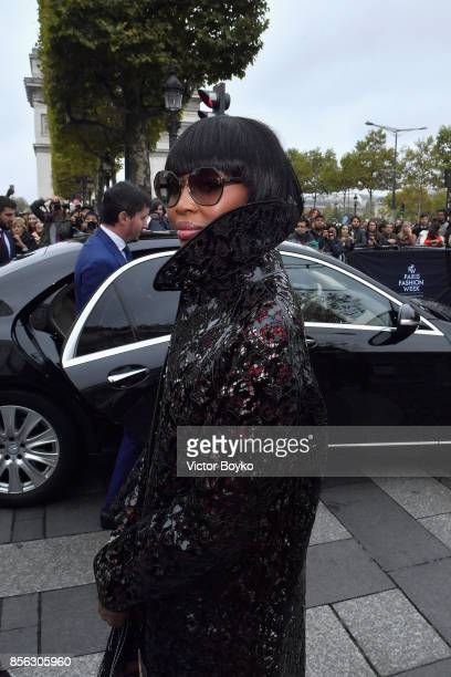 Naomi Campbell attends Le Defile L'Oreal Paris as part of Paris Fashion Week Womenswear Spring/Summer 2018 at Avenue Des Champs Elysees on October 1...