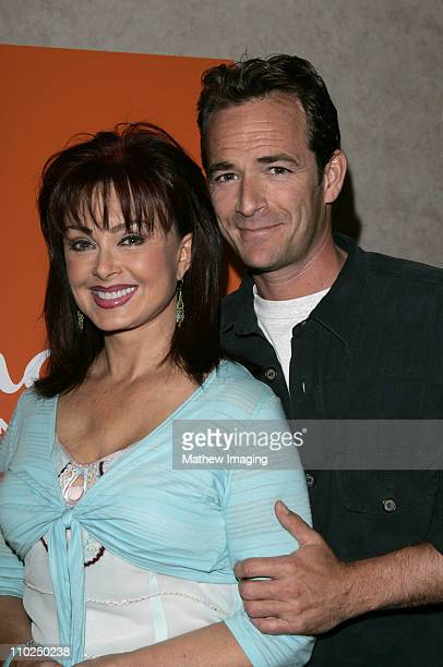 Naomi Judd and Luke Perry during 2005 TCA Hallmark Channel Presentation at The Beverly Hilton in Beverly Hills California United States