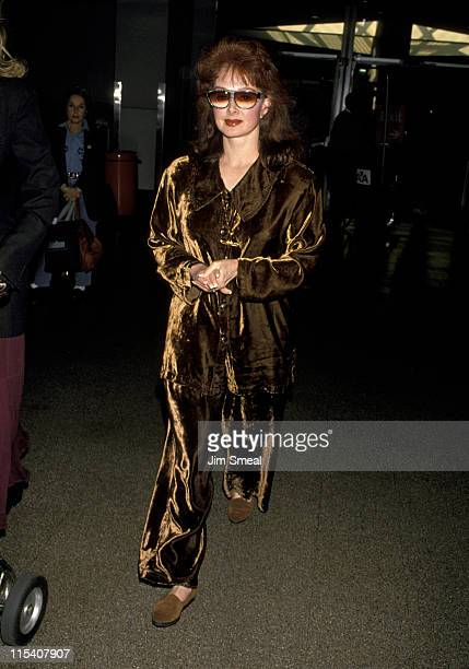 Naomi Judd during Naomi Judd at Los Angeles International Airport November 20 1994 at Los Angeles International Airport in Los Angeles California...