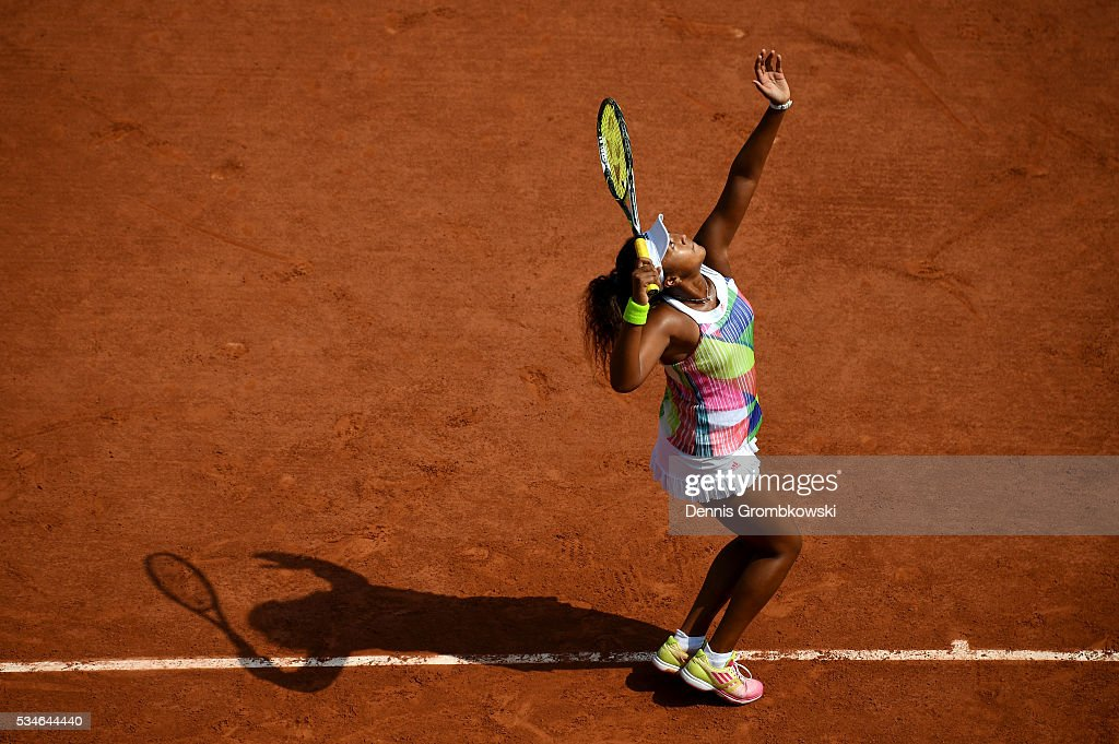 <a gi-track='captionPersonalityLinkClicked' href=/galleries/search?phrase=Naomi+Osaka&family=editorial&specificpeople=13424660 ng-click='$event.stopPropagation()'>Naomi Osaka</a> of Japan serves during the Ladies Singles third round match against Simona Halep of Romania on day six of the 2016 French Open at Roland Garros on May 27, 2016 in Paris, France.