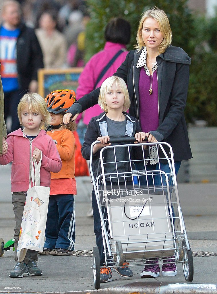 <a gi-track='captionPersonalityLinkClicked' href=/galleries/search?phrase=Naomi+Watts&family=editorial&specificpeople=171723 ng-click='$event.stopPropagation()'>Naomi Watts</a> and her sons, Sasha Schreiber and Samuel Schreiber, are seen shopping at Whole Foods on November 18, 2013 in New York City.