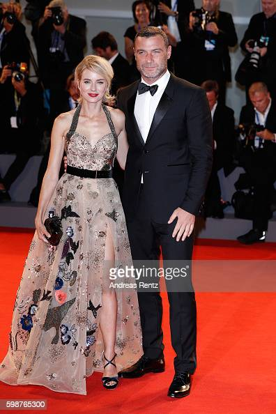 naomi-watts-and-liev-schreiber-attend-the-premiere-of-the-bleeder-picture-id598765300