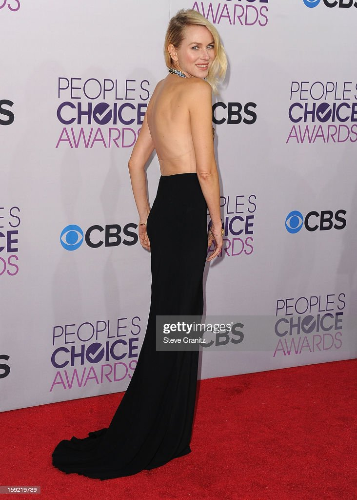 <a gi-track='captionPersonalityLinkClicked' href=/galleries/search?phrase=Naomi+Watts&family=editorial&specificpeople=171723 ng-click='$event.stopPropagation()'>Naomi Watts</a> arrives at the 2013 People's Choice Awards at Nokia Theatre L.A. Live on January 9, 2013 in Los Angeles, California.