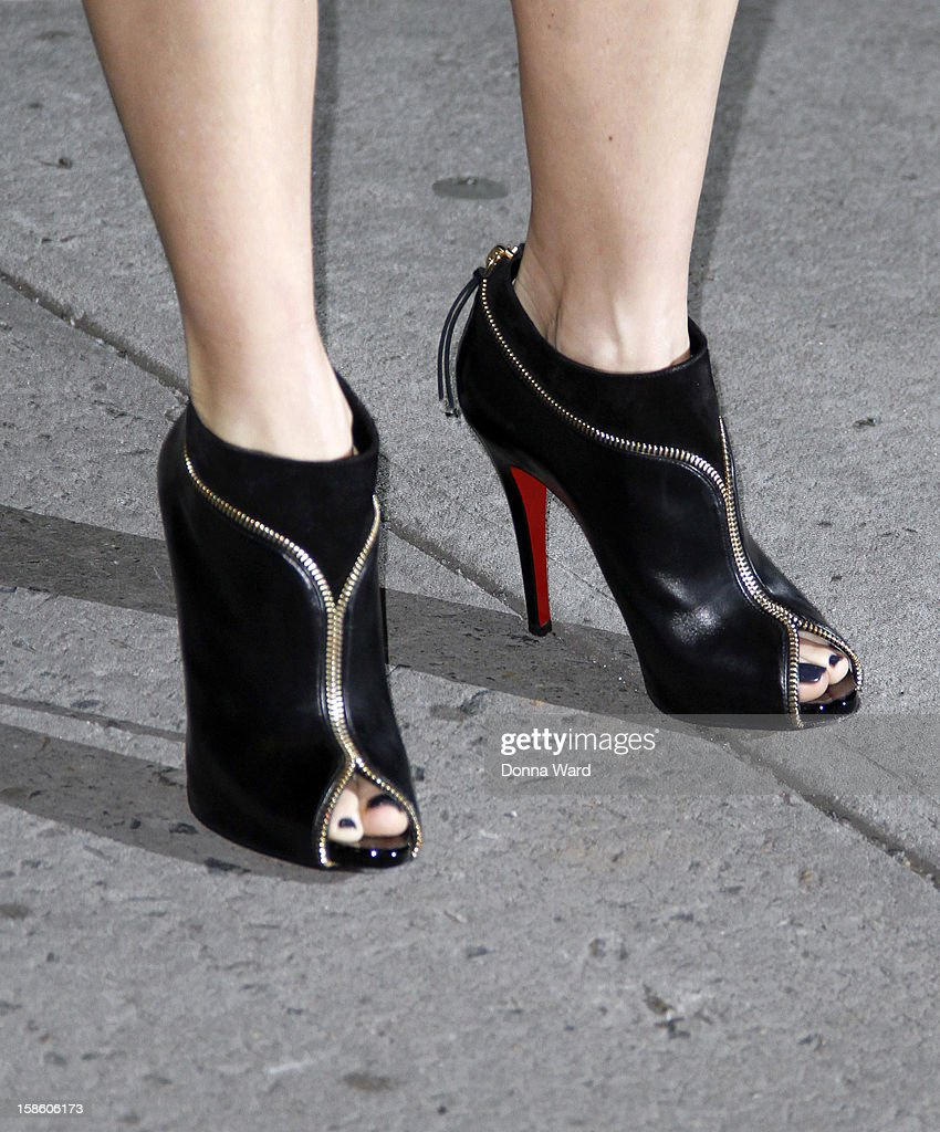 <a gi-track='captionPersonalityLinkClicked' href=/galleries/search?phrase=Naomi+Watts&family=editorial&specificpeople=171723 ng-click='$event.stopPropagation()'>Naomi Watts</a> (shoe detail) arrives for 'The Late Show with David Letterman' at Ed Sullivan Theater on December 20, 2012 in New York City.