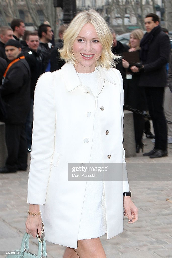 Naomi Watts arrives to attend the 'Louis Vuitton' Fall/Winter 2013 Ready-to-Wear show as part of Paris Fashion Week on March 6, 2013 in Paris, France.