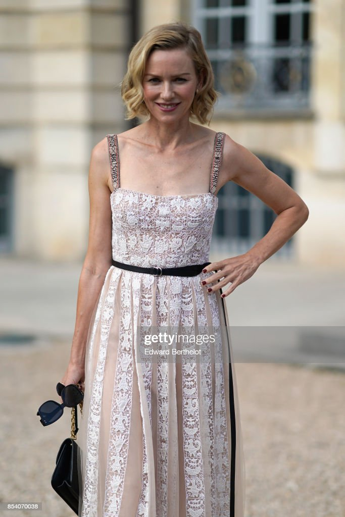 naomi-watts-attends-the-christian-dior-show-as-part-of-the-paris-picture-id854070038