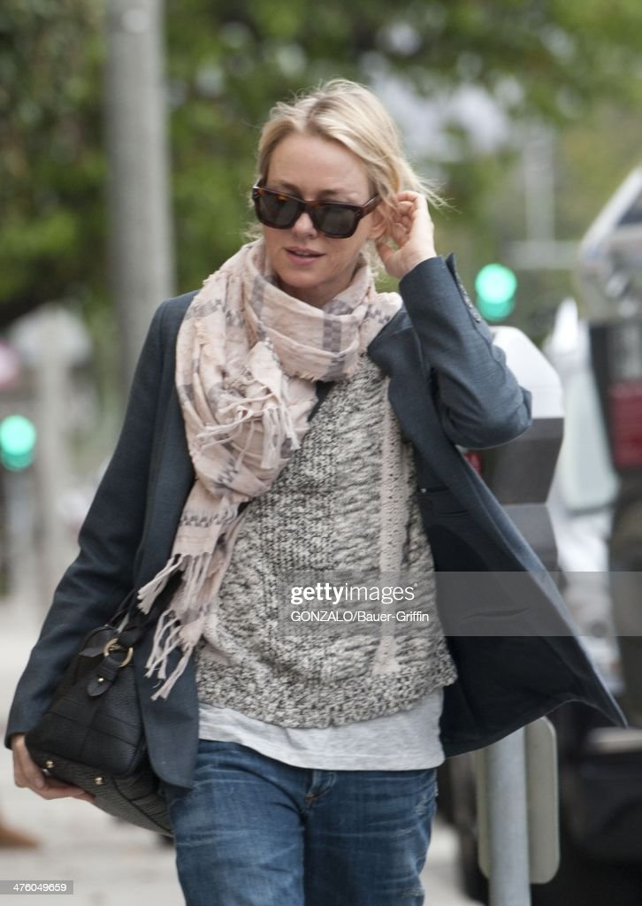 <a gi-track='captionPersonalityLinkClicked' href=/galleries/search?phrase=Naomi+Watts&family=editorial&specificpeople=171723 ng-click='$event.stopPropagation()'>Naomi Watts</a> is seen on March 01, 2014 in Los Angeles, California.