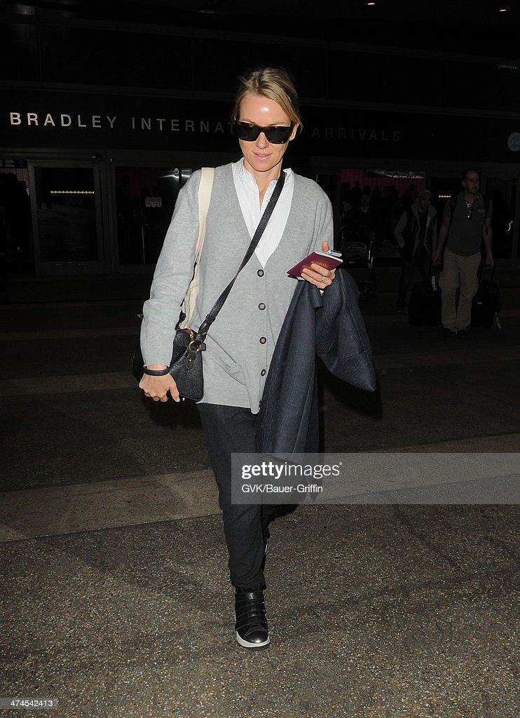 <a gi-track='captionPersonalityLinkClicked' href=/galleries/search?phrase=Naomi+Watts&family=editorial&specificpeople=171723 ng-click='$event.stopPropagation()'>Naomi Watts</a> seen at LAX airport on February 23, 2014 in Los Angeles, California.