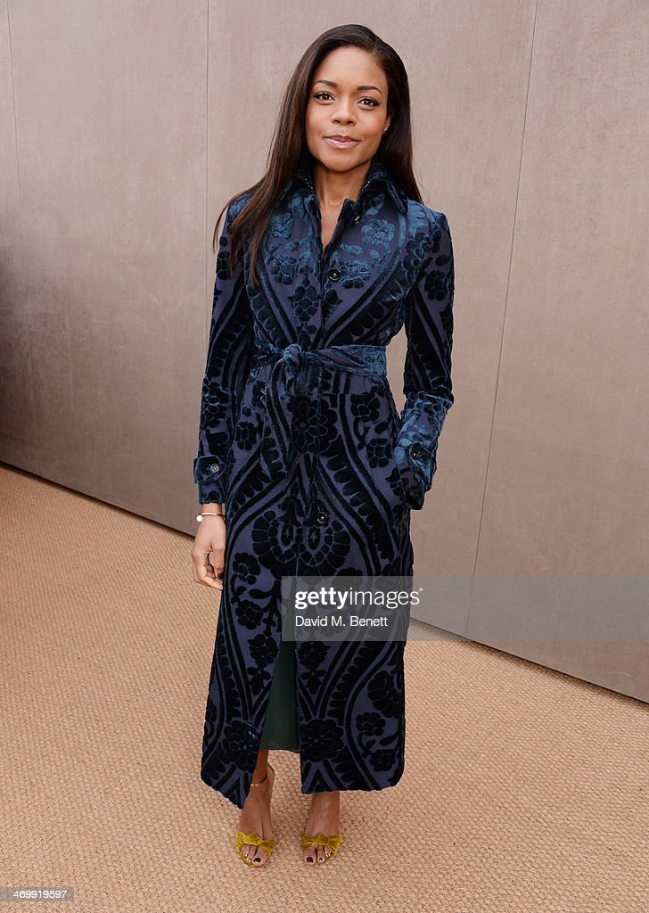 <a gi-track='captionPersonalityLinkClicked' href=/galleries/search?phrase=Naomie+Harris&family=editorial&specificpeople=238918 ng-click='$event.stopPropagation()'>Naomie Harris</a> arrives at Burberry Womenswear Autumn/Winter 2014 at Kensington Gardens on February 17, 2014 in London, England.
