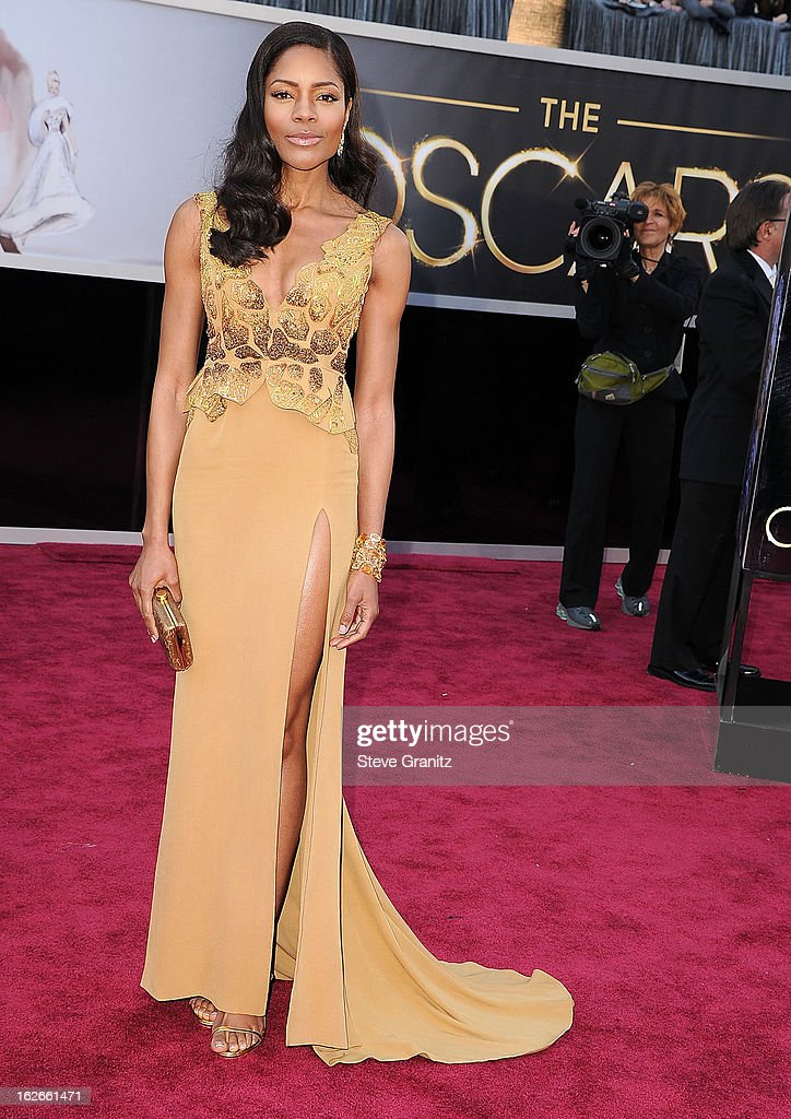 Naomie Harris arrives at the 85th Annual Academy Awards at Dolby Theatre on February 24, 2013 in Hollywood, California.