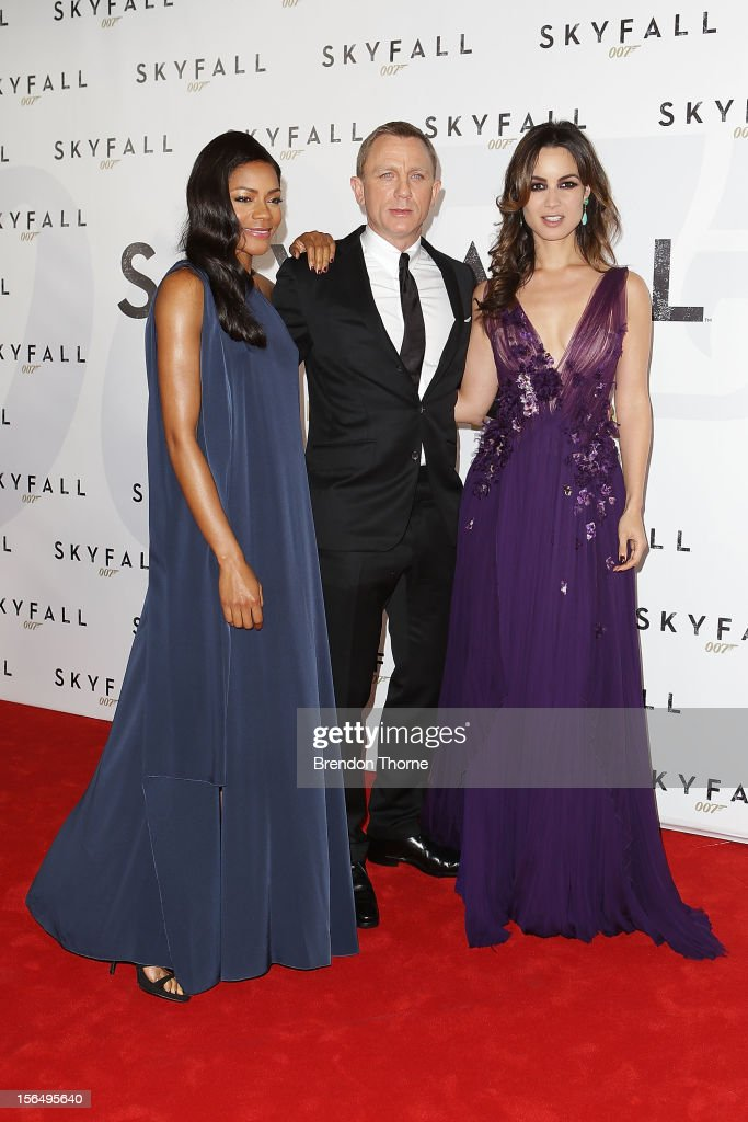 <a gi-track='captionPersonalityLinkClicked' href=/galleries/search?phrase=Naomie+Harris&family=editorial&specificpeople=238918 ng-click='$event.stopPropagation()'>Naomie Harris</a>, Daniel Craig and <a gi-track='captionPersonalityLinkClicked' href=/galleries/search?phrase=Berenice+Marlohe&family=editorial&specificpeople=6966628 ng-click='$event.stopPropagation()'>Berenice Marlohe</a> arrive at the 'Skyfall' Australian premiere at the State Theatre on November 16, 2012 in Sydney, Australia.