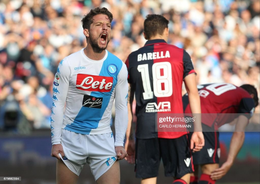 Napoli's Belgian forward Dries Mertens reacts after missing a goal during the Italian Serie A football match SSC Napoli vs Cagliari Calcio on May 6, 2017 at the San Paolo Stadium in Naples. /