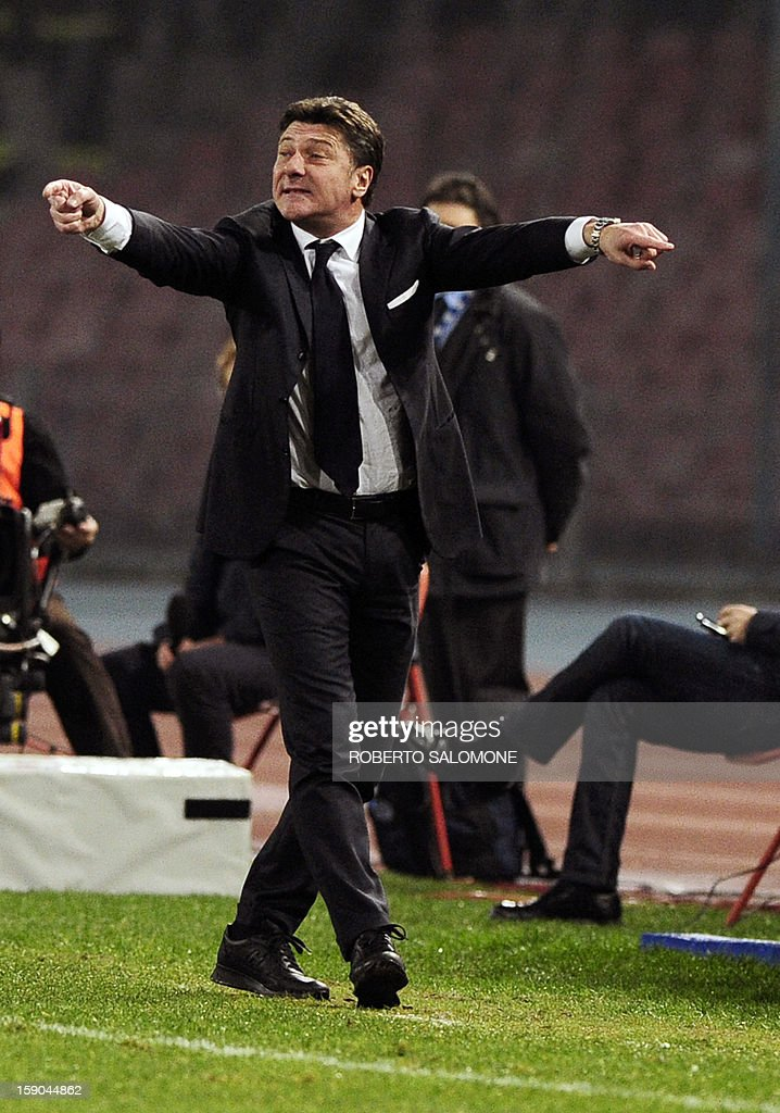 Napoli's coach Walter Mazzarri gestures during the Serie A football match SSC Napoli vs A.S. Roma at San Paolo Stadium in Naples on January 6, 2013.