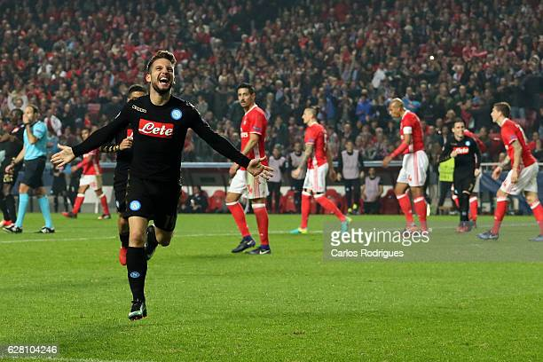 Napoli«s forward Dries Mertens from Belgium celebrates scoring Napoli second goal during the UEFA Champions League group B match between SL Benfica v...