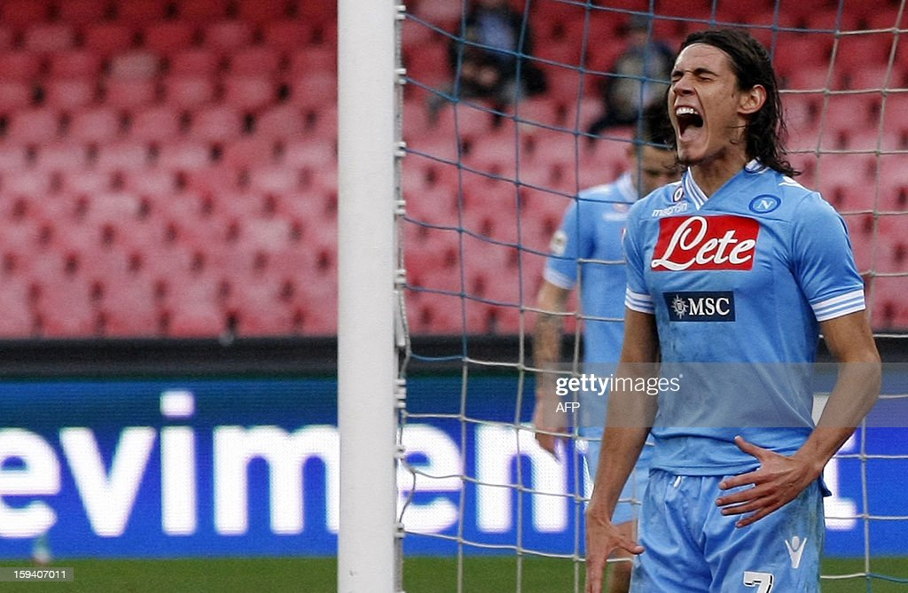 Napoli's forward Edinson Cavani reacts after missing a goal during the Italian Serie A football match SSC Napoli vs US Palermo won by SSC Napoli 3-0 at San Paolo Stadium in Naples on January 13, 2013. AFP PHOTO / CARLO HERMANN