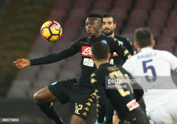 Napoli's midfielder from Guinea Amadou Diawara controls the ball during the Italian Tim Cup roud of 8 football match SSC Napoli vs Fiorentina ACF on...