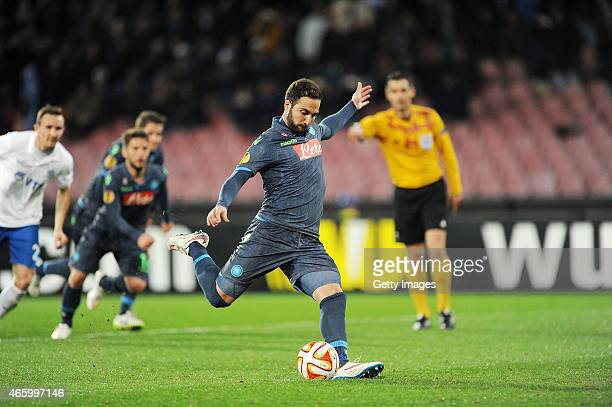 Napoli's player Gonzalo Gerardo Higuain scores the goal of 21 during the UEFA Europa League Round of 16 football match between SSC Napoli and FC...