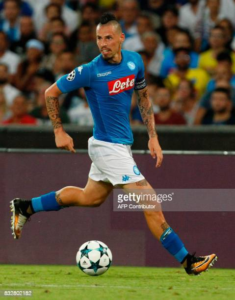Napoli's Slovakian midfielder Marek Hamsik controls the ball during the UEFA Champions League Play Off first leg football match SSC Napoli vs OCG...