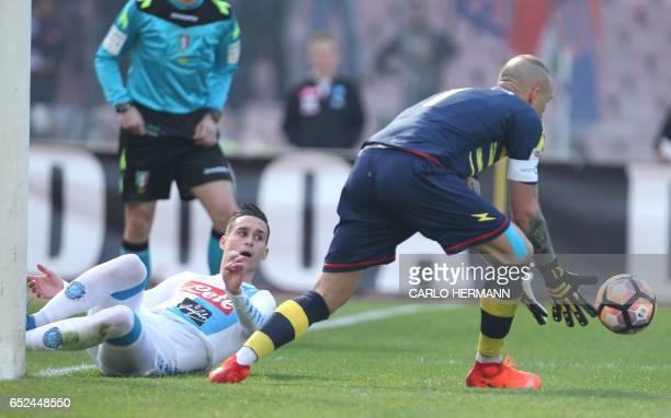 Napoli's Spanish forward Jose Maria Callejon fails to score against Crotone's Italian goalkeeper Alex Cordaz during the Italian Serie A football...