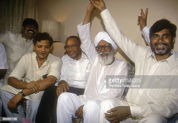 Nara Chandrababu Naidu Chief Minister of Andhra Pradesh showing Victory Sign with Harkishan Singh Surjit Sitaram Yechury and with other party Leaders