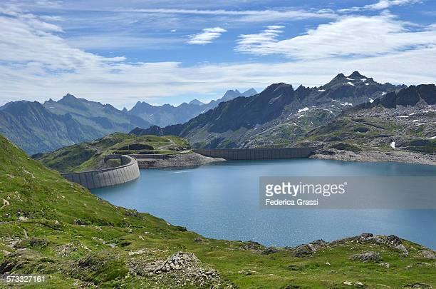 Naret Lake and Naret Dam